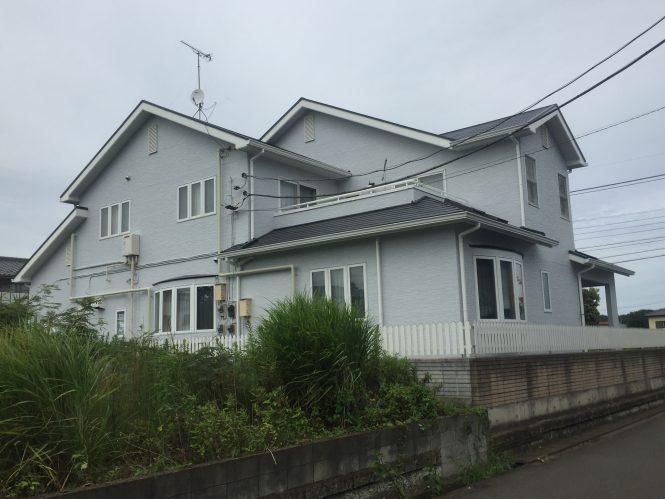 目地の打ち替えをし、屋根・外壁・付帯部を塗装させて頂きました。